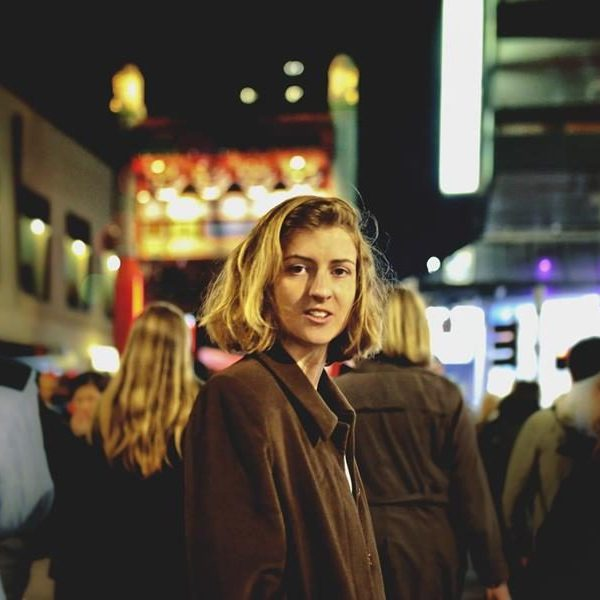Endearing indie-folkster Harper Bloom releases single and video for 'Walk My Way'