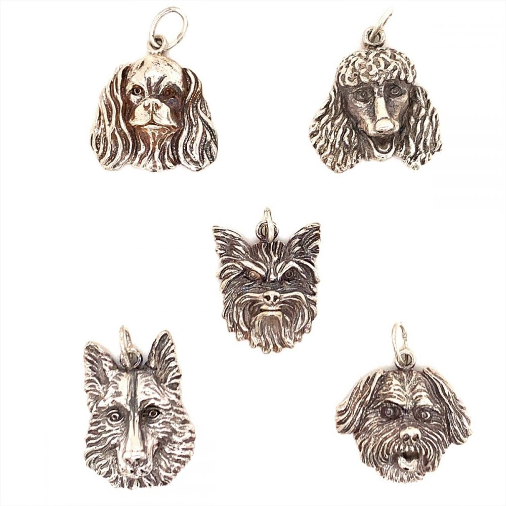 An affordable gift with special meaning: A precious pooch pendant