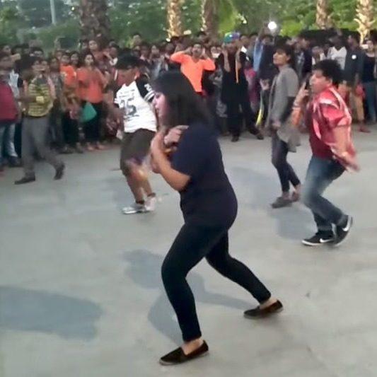 flashmop-india-curvemag