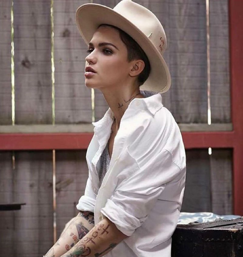 2016 Mardi Gras Parade Goes Gay For Ruby Rose